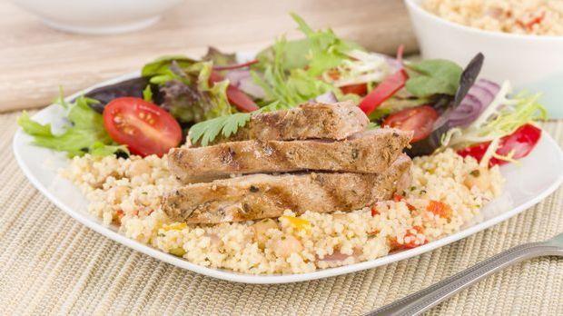 Hähnchenbrust mit Couscous-Salat à la Frank Rosin