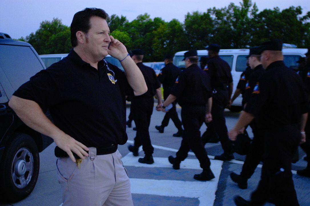 Nachdem am 13. Oktober 2008 zwei gefährlich Straftäter aus dem Gefängnis ausgebrochen sind, muss Rick Jacobs, der Direktor der Spezialeinheit für da... - Bildquelle: Derek Bell part2 pictures