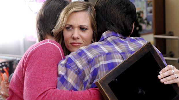 Als sich Janine (Kristen Wiig) als Leihmutter zur Verfügung stellt, ahnt sie...