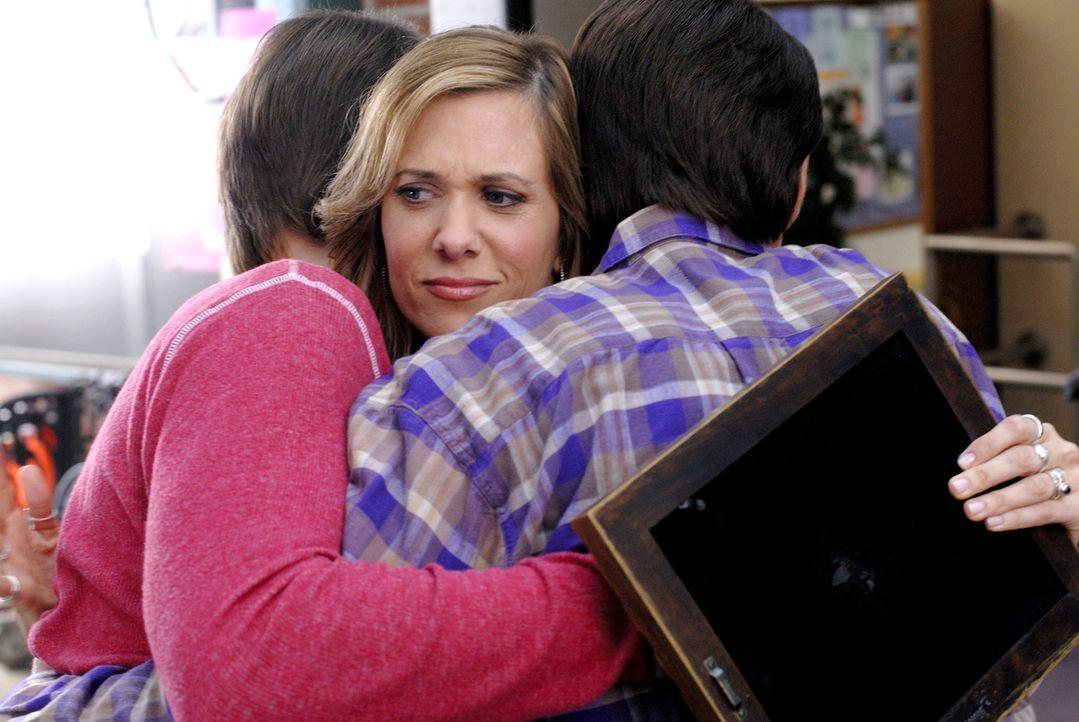 Als sich Janine (Kristen Wiig) als Leihmutter zur Verfügung stellt, ahnt sie nicht, dass die beiden zukünftigen Väter absolut unfähig für so ziemlic... - Bildquelle: 2007 Revolution Studios Distribution Company, LLC. All Rights Reserved