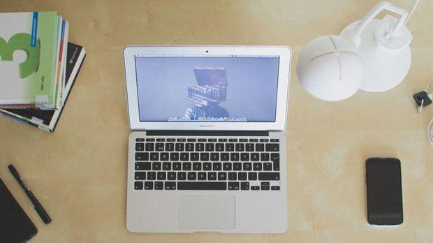 Schreibtischbeleuchtung_Pixabay