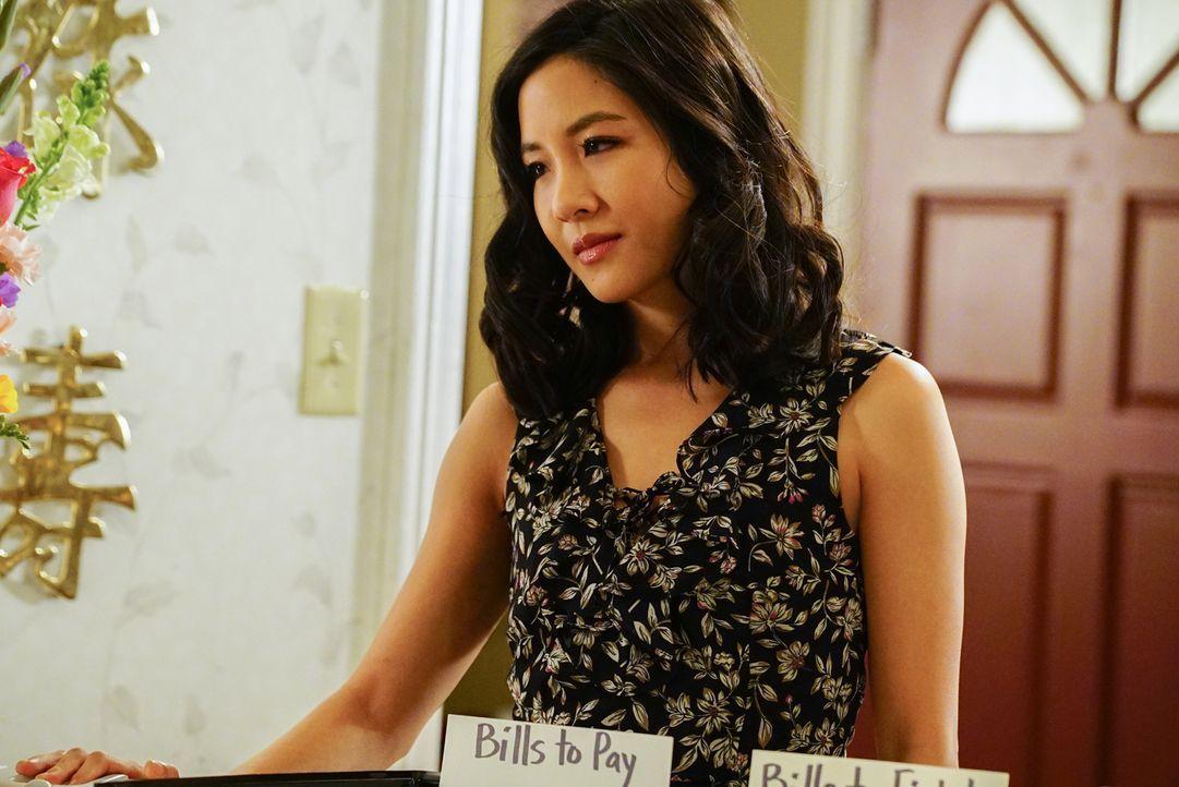 Dass ihr Sohn Evan auf einmal besser argumentiert als Jessica (Constance Wu) selbst, nagt ganz schön an ihr ... - Bildquelle: 2016-2017 American Broadcasting Companies. All rights reserved.
