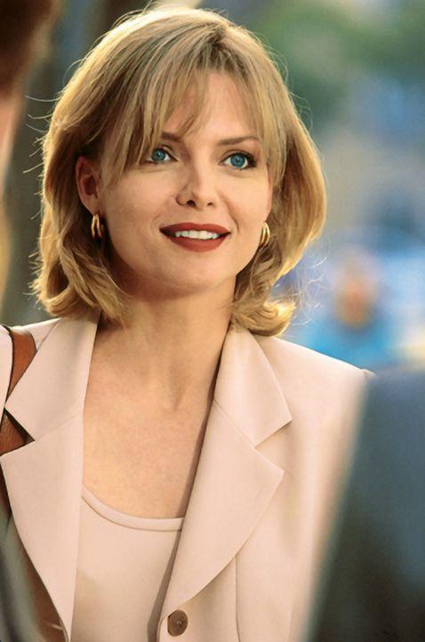 Die ambitionierte Tally Atwater (Michelle Pfeiffer) will um jeden Preis Karriere als Nachrichtensprecherin machen. Unter der Anleitung von Warren Ju... - Bildquelle: Buena Vista Pictures