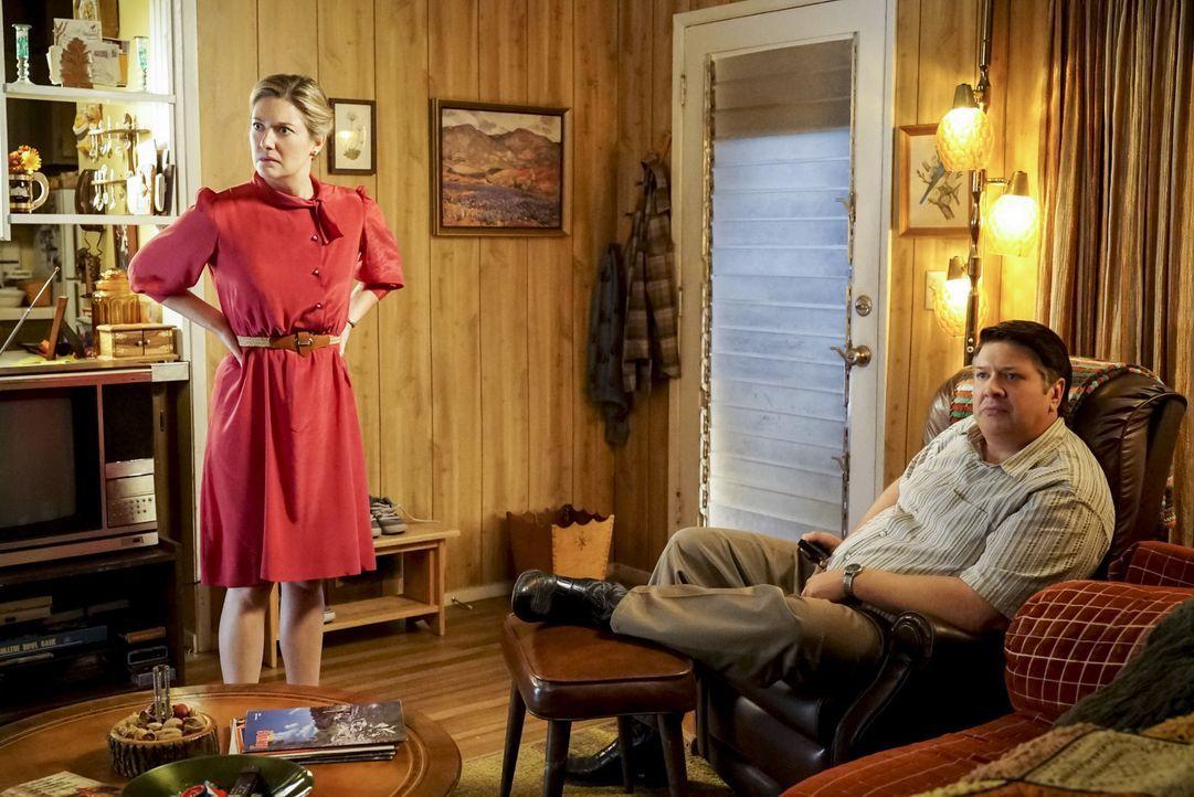 Mary (Zoe Perry, l.); George Sr. (Lance Barber, r.) - Bildquelle: Bill Inoshita 2018 CBS Broadcasting, Inc. All Rights Reserved./Bill Inoshita