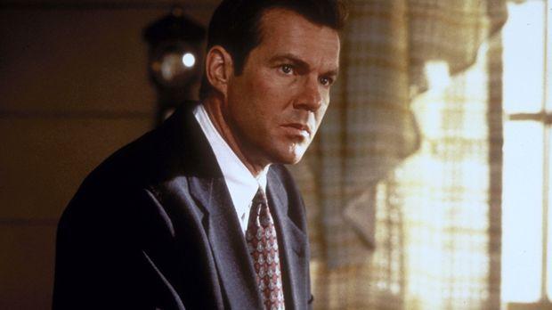 Über Jahre hinweg hat FBI-Agent Frank LaCrosse (Dennis Quaid) die Spur eines...