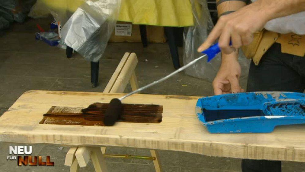 Neuer Glanz für Holzmöbel - Bildquelle: kabel eins