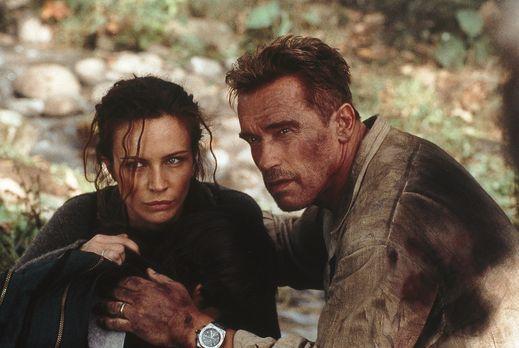Collateral Damage - Als Gordon (Arnold Schwarzenegger, r.) und Selena (France...
