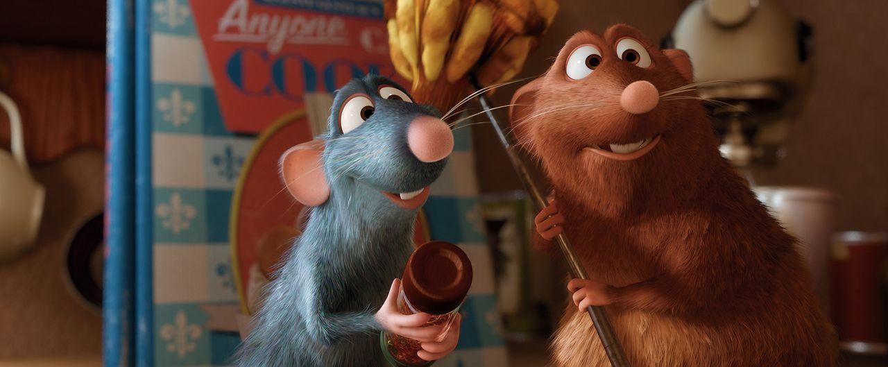 Die Ratte Remy (l.) ist ständig auf der Suche nach neuen kulinarischen Kreationen. Sein Freund Emile (r.) ist dabei stets an seiner Seite. - Bildquelle: Disney/Pixar.  All rights reserved