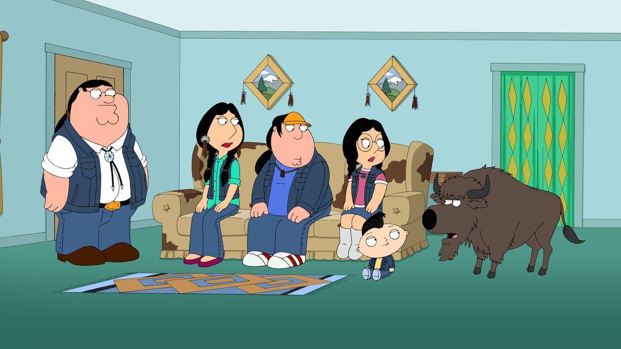 Was ist nur mit Megan (3.v.r.), Chris (3.v.l.), Lois (2.v.l.), Peter (l.) und Stewie (2.v.r.) los? - Bildquelle: 2014 Twentieth Century Fox Film Corporation. All rights reserved.