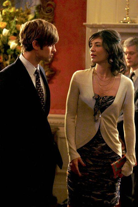 Nates (Chace Crawford, l.) neue Zukunftsaussichten sehen rosig aus doch Vanessa (Jessica Szohr, r.) ist tief getroffen, weil er sie dafür hängen läs... - Bildquelle: Warner Brothers