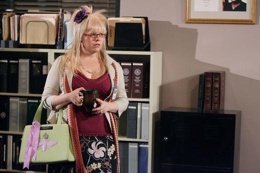 Criminal Minds - Penelope Garcia (Kirsten Vangsness) hat einen Mann kennen ge...