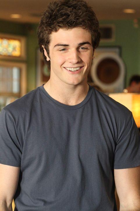 Lernt, ohne es zu wissen, seinen leiblichen Vater kennen: Danny (Beau Mirchoff) ... - Bildquelle: ABC Studios