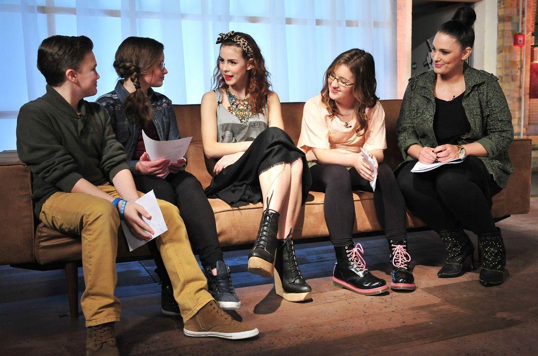 The-Voice-Kids-Stf02-Epi06-Patrizia-Helena-Simon-104-SAT1-Andre-Kowalski - Bildquelle: SAT.1/Andre Kowalski