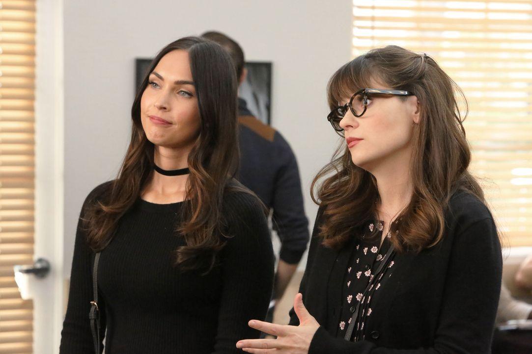 Reagan (Megan Fox, l.) und Jess (Zooey Dschanel, r.) werden von Cece bei der Suche nach neuen Models für die Agentur eingespannt ... - Bildquelle: 2017 Fox and its related entities.  All rights reserved.