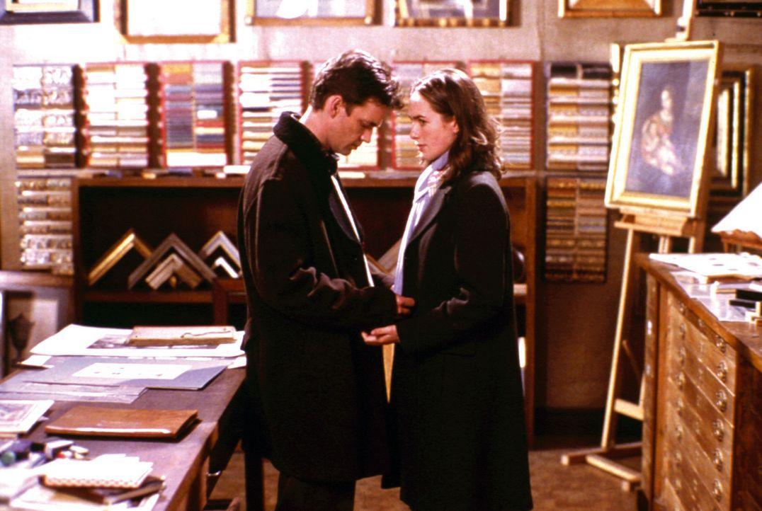 Ahnen nicht, dass Mr. Ripley einen bösartigen Plan hat: Jonathan (Dougray Scott, l.) und Sara Trevanny (Lena Headey, r.) ... - Bildquelle: Warner Bros.