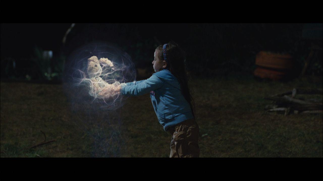 Bei Mimzy handelt es sich um eine Abgesandte aus der Zukunft, deren Aufgabe es ist, den Fortbestand der Menschen und der Erde zu sichern. Und das ge... - Bildquelle: Warner Brothers