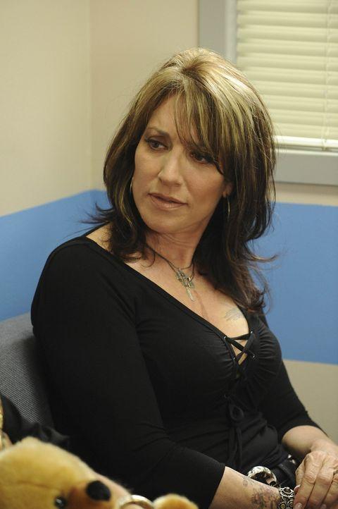 Als Gemma Teller Morrow (Katey Sagal) mitbekommt, dass sich zwischen ihrem Sohn Jax und Tara wieder etwas anbahnt, macht sie sich sorgen, dass er wi... - Bildquelle: 2008 FX Networks, LLC. All rights reserved.
