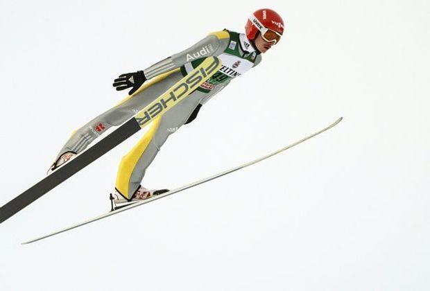 Richard Freitag liegt in Lillehammer auf Platz vier
