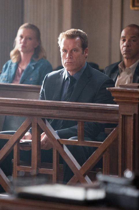 Det. Tommy Sullivan (Mark Valley) wird des Mordes an der jungen Skylar Green angeklagt. Kann er seine Unschuld doch noch beweisen? - Bildquelle: 2013 American Broadcasting Companies, Inc. All rights reserved.