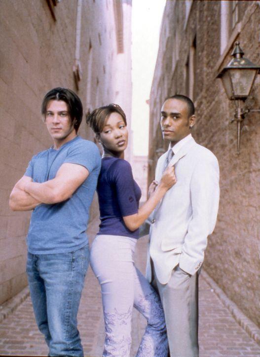 Schon seit einiger Zeit weiß Camille (Monica Arnold, M.), dass ihre Eltern nachdrücklich wünschen, dass sie nach Beendigung ihres Studiums den sp... - Bildquelle: TM &   2003 Paramount Pictures Corporation