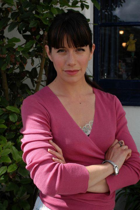 Hat nicht unbedingt eine gute Idee, was eine verhaltensauffällige Schülerin angeht: Louisa (Caroline Catz) ... - Bildquelle: BUFFALO PICTURES/ITV