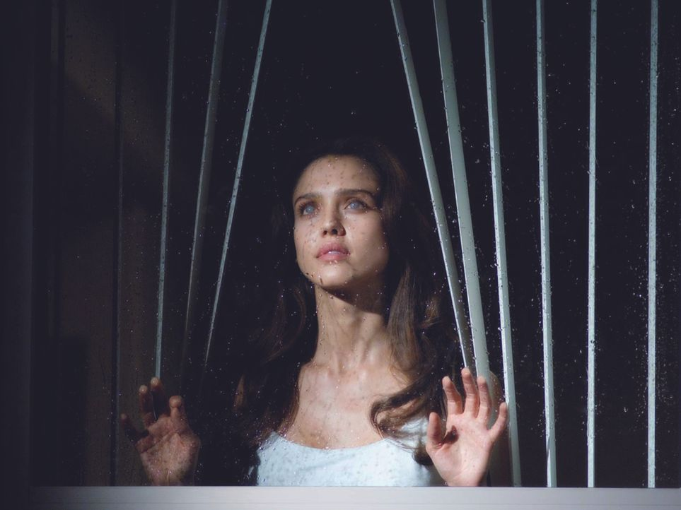 Einige Tage nach der Hornhauttransplantation muss Sydney (Jessica Alba) feststellen, dass nicht alles, was sie jetzt sehen kann, der Wirklichkeit en...