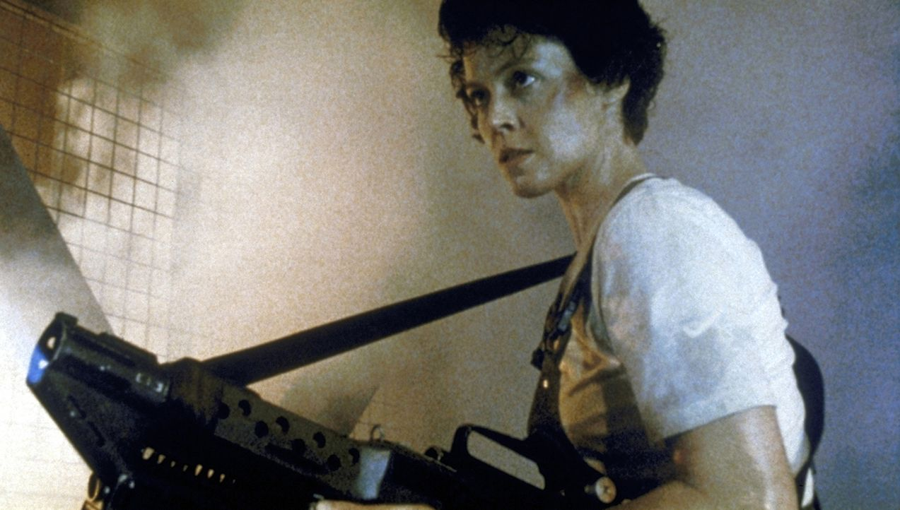 In Ripley (Sigourney Weaver) erwacht der Killerinstinkt: Die Aliens sollen nur kommen! - Bildquelle: 1986 Twentieth Century Fox Film Corporation. All rights reserved.