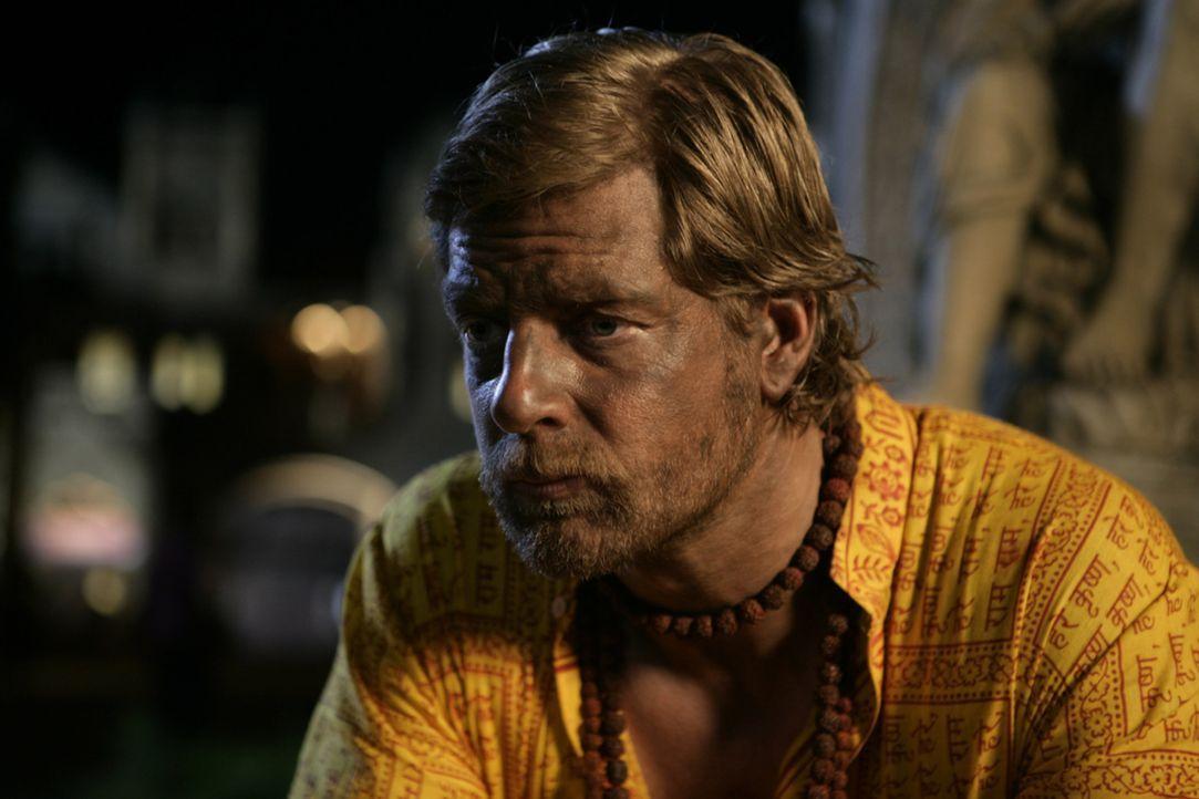 Kaum in Indien angekommen, erfährt Max (Henning Baum), dass sein Freund das Geld, das er für eine gemeinsame Unternehmensgründung geplant hatte, für... - Bildquelle: Vinod Deshpande SAT.1