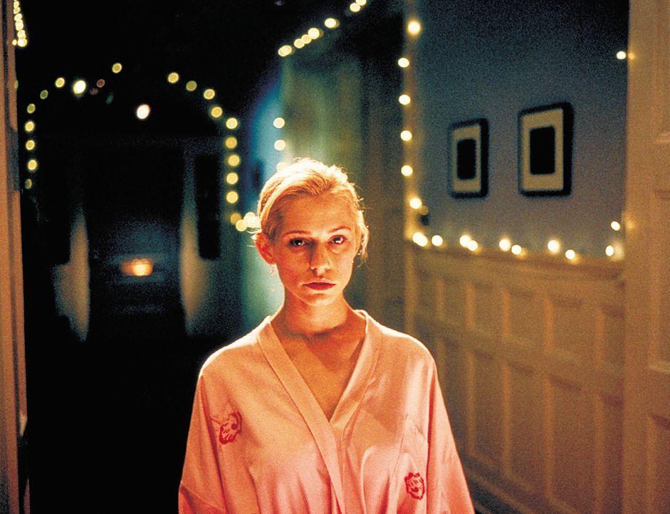 Die schöne und allseits beliebte Hadley (Meredith Monroe) ist bei weitem nicht so harmlos, wie ihre Verehrer glauben wollen ... - Bildquelle: 2003 Sony Pictures Television International. All Rights Reserved.