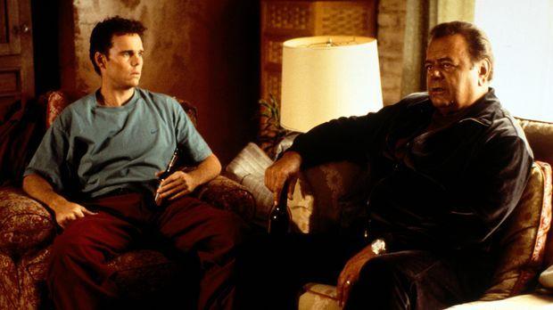 Nach einem Streit mit seinem Vater (Paul Sorvino, r.), beschließt Paul (Kevin...