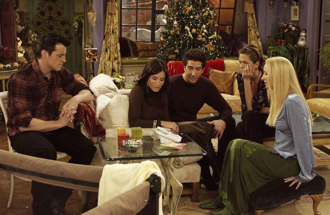 Ein trauriges Weihnachtsfest droht, denn die Freunde Rachel (Jennifer Aniston, 2.v.r.), Ross (David Schwimmer, M.), Monica (Courteney Cox, 2.v.l.),... - Bildquelle: TM+  2000 WARNER BROS.