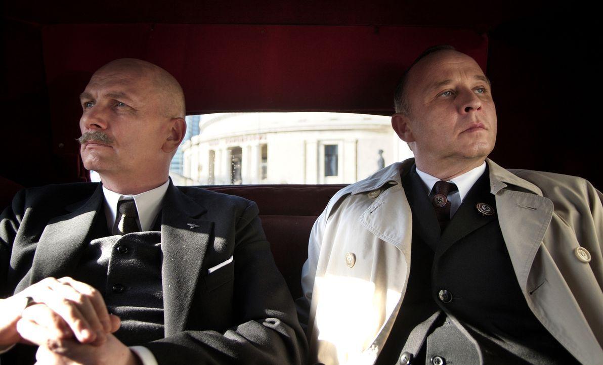 Der deutscher Botschafter in Moskau Friedrich Werner von der Schulenburg (Igor Kujawski, l.) und der deutsche Außenminister und Vorsitzender der Del... - Bildquelle: Mateusz Skalski BBC