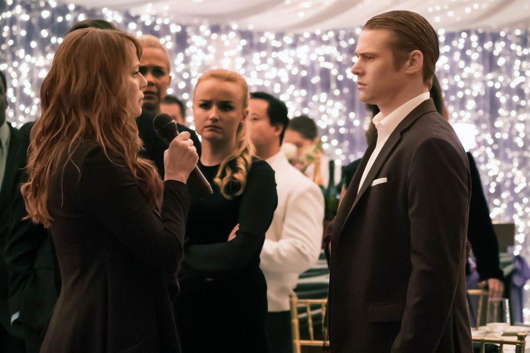 Kelly (Melinda Clarke, l.) kehrt überraschend nach Mystic Falls zurück. Doch können Matt (Zach Roerig, r.) und seine Freunde ihr wirklich trauen? - Bildquelle: Warner Bros. Entertainment, Inc.