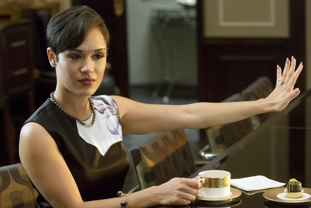 Gibt mit ihrem neuen Verlobungsring an: Anika (Grace Gealey) ... - Bildquelle: 2015 Fox and its related entities.  All rights reserved.