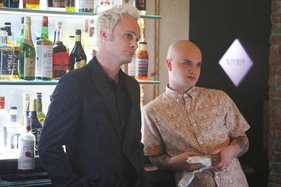 Blaine (David Anders, l.); Don E (Bryce Hodgson, r.) - Bildquelle: Warner Bros.