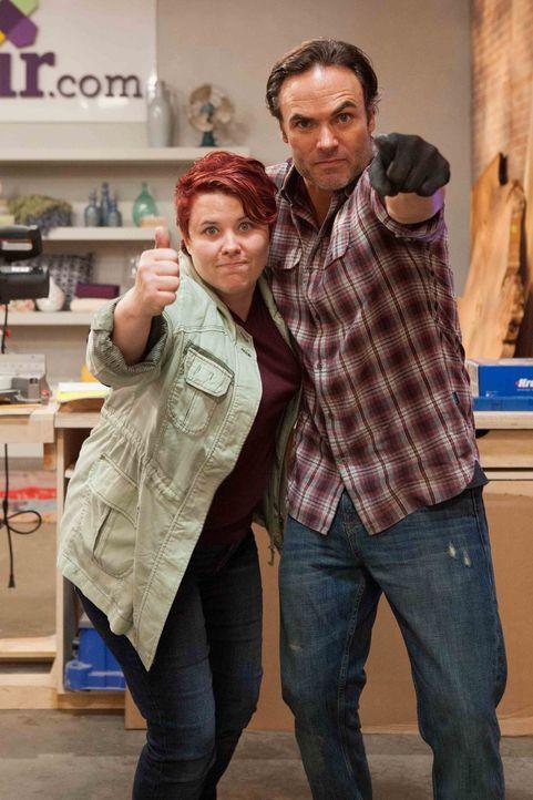 Nehmen sich bereits bei der ersten Challenge einiges vor: Designerin Vivian (l.) und Schreiner Matt B. (r.) ... - Bildquelle: Warner Bros.