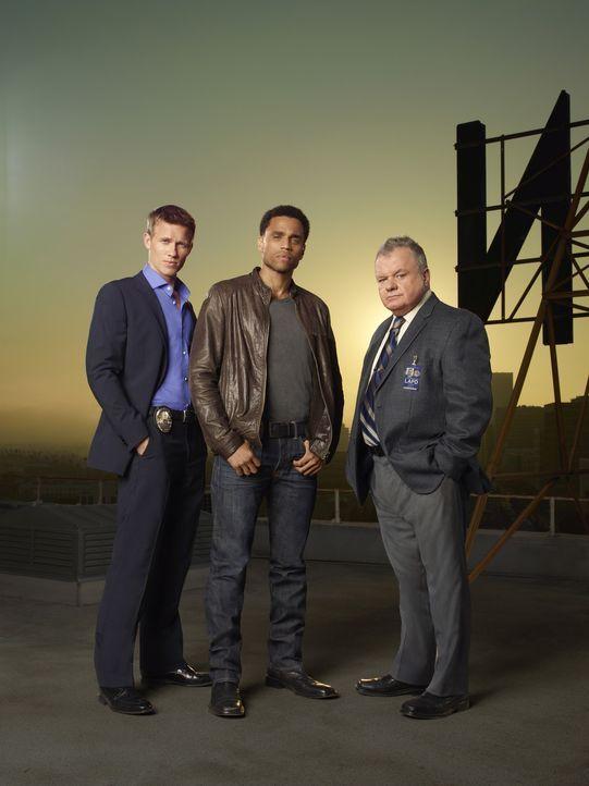 (1. Staffel) - Nach langer, überaus erfolgreicher Zusammenarbeit beginnen die beiden gegensätzlichen Cops Travis Marks (Michael Ealy, M.) und Wes... - Bildquelle: USA Network