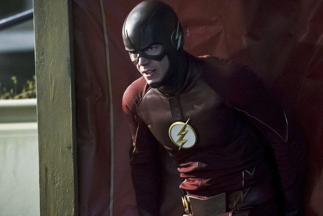 Muss sich ohne seine Schnelligkeit einem übermenschlich starken Meta-Wesen stellen: Barry (Grant Gustin) ... - Bildquelle: Warner Bros. Entertainment, Inc.