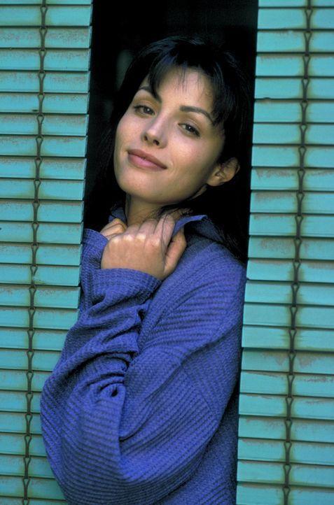 Sie schaut aus, als könne sie kein Wässerchen trüben. Doch Paloma (Ana Alvarez) hat es faustdick hinter den Ohren ... - Bildquelle: Hans-Joachim Pfeiffer ProSieben
