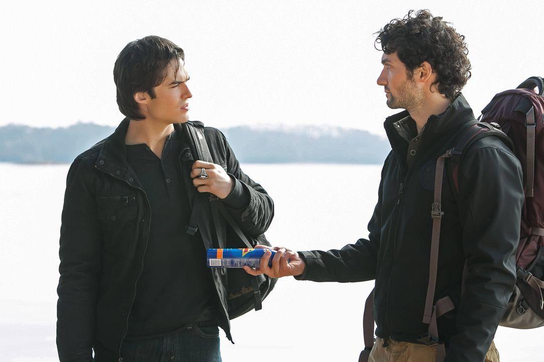 Damon Salvatore und Professor Shane - Bildquelle: Warner Bros. Entertainment Inc.
