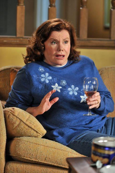 Von ihrem Mann und ihren drei Kindern enttäuscht, erbittet Frankie die Hilfe ihrer Mutter Pat (Marsha Mason). Doch diese Hilfe sieht anders aus, als... - Bildquelle: Warner Brothers