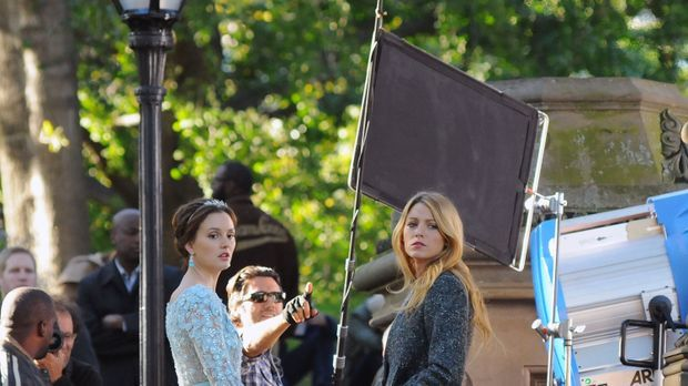 Blair Waldorf (Leighton Meester) und Serena van der Woodsen (Blake Lively) wa...