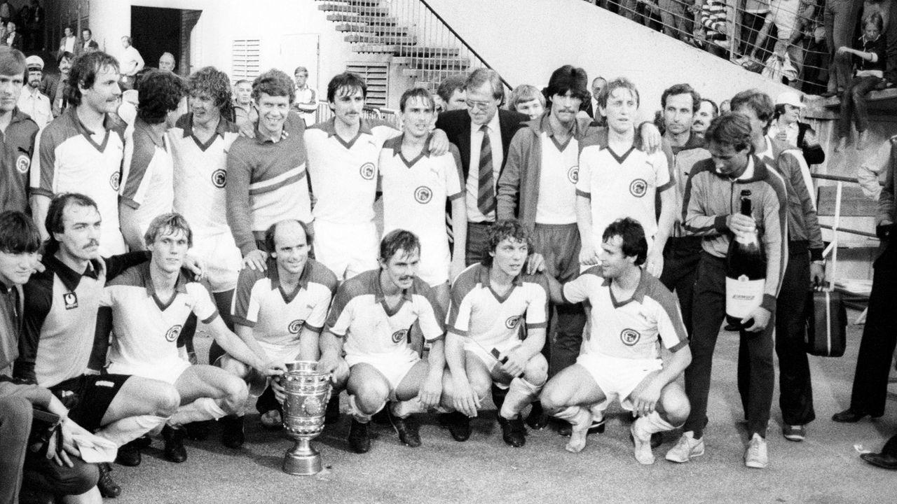Die längste Siegesserie: Fortuna Düsseldorf, 18 - Bildquelle: Imago