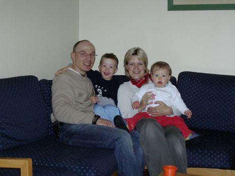 Koffer zu und weg - Klempner Denis Hill (35) und seine Frau Janette (28), ein...