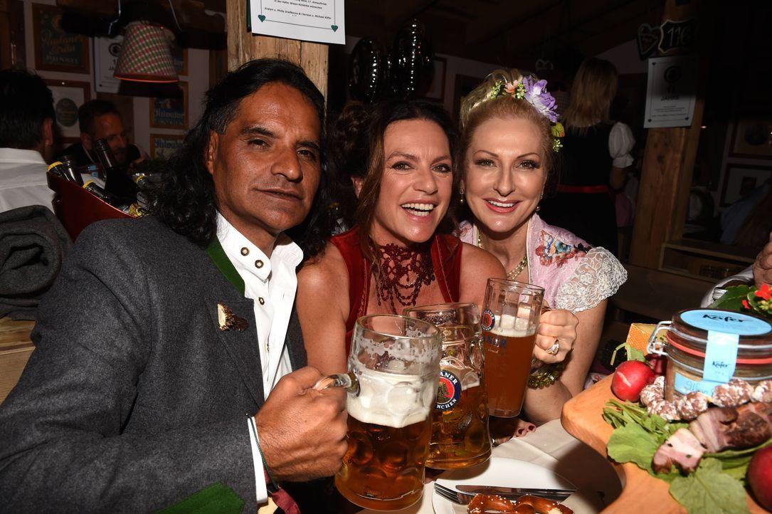 3. dpa - Felix Hörhager (Christine Neubauer + Freund José Campos, Desiree Nick) - Kopie - Bildquelle: dpa - Felix Hörhager