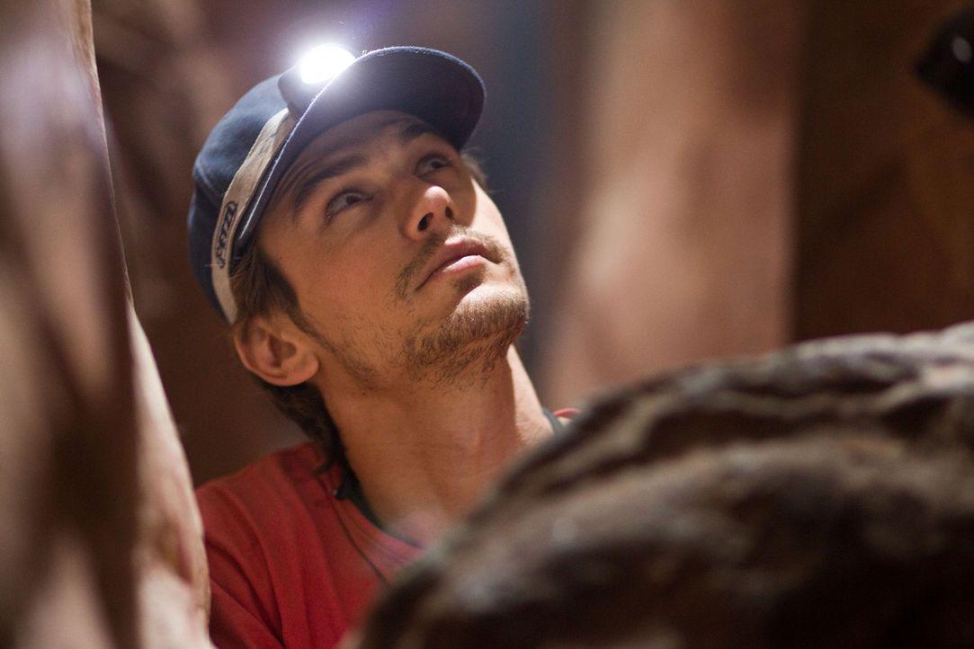 Im April 2003 bricht Aron Ralston (James Franco) zu einer Klettertour im entlegenen Blue John Canyon in Utah auf. Bei einem eigentlich harmlosen Man... - Bildquelle: 2010 Twentieth Century Fox Film Corporation. All rights reserved.