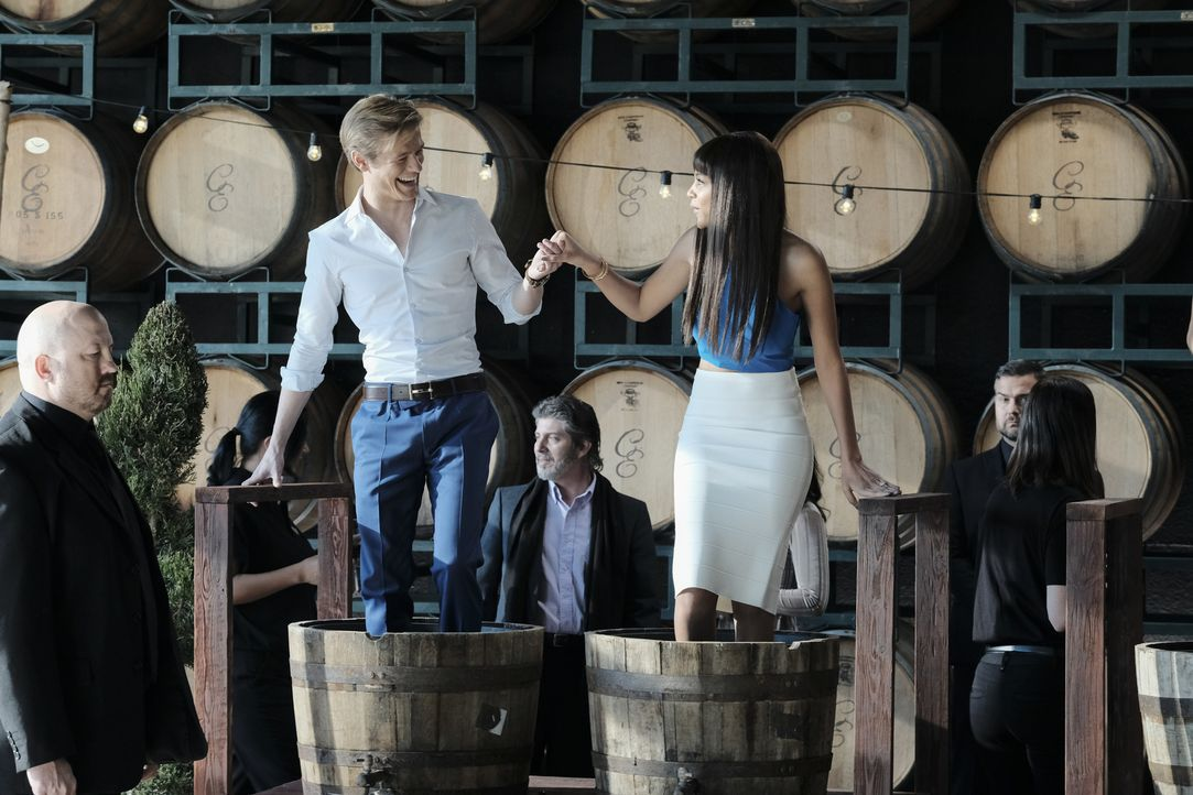 (v.l.n.r.)  Angus MacGyver (Lucas Till); Leanne Martin (Reign Edwards) - Bildquelle: Guy D'Alema Guy D'Alema/CBS   2017 CBS Broadcasting, Inc. All Rights Reserved.