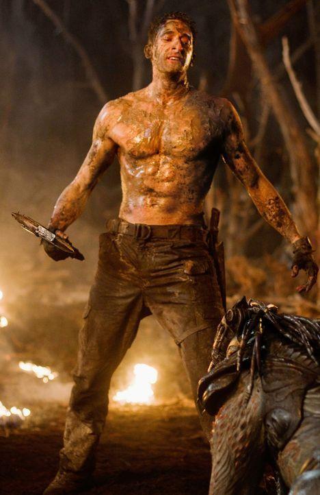Der Ex-Soldat Royce (Adrien Brody) wird von der Erde entführt und auf einem Planeten ausgesetzt, der das Jagdrevier der Predatoren ist. Ein knallha... - Bildquelle: 2010 Twentieth Century Fox Film Corporation. All rights reserved.
