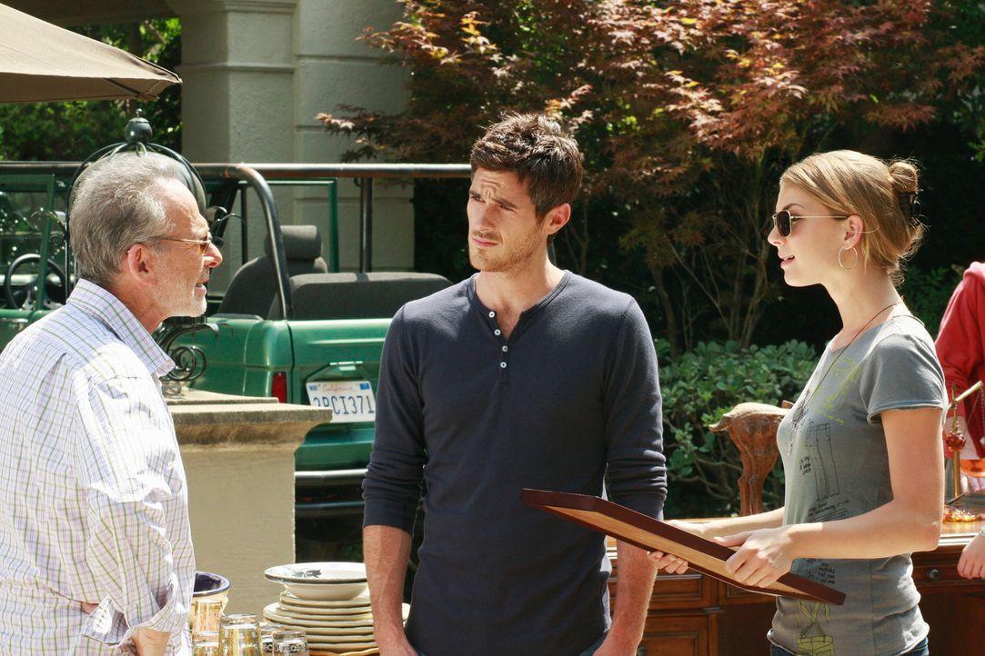 Ganz entspannt: Saul (Ron Rifkin, l.) kann sich mehr Zeit für die Familie nehmen und somit auch Justins (Dave Annable, M.) und Rebeccas (Emily VanCa... - Bildquelle: 2008 ABC INC.