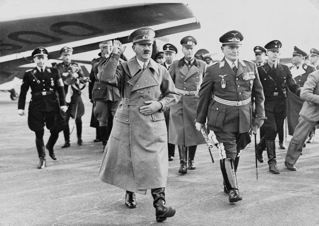 """""""Lebensraum"""" im Osten: Adolf Hitler (l.) hatte seit seiner Ernennung zum Reichskanzler 1933 den Krieg geplant. - Bildquelle: Library of Congress"""